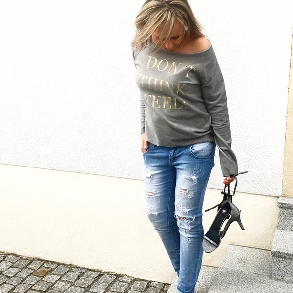 Sweater DON'T THINK. FEEL! in Grau - Cat Noir