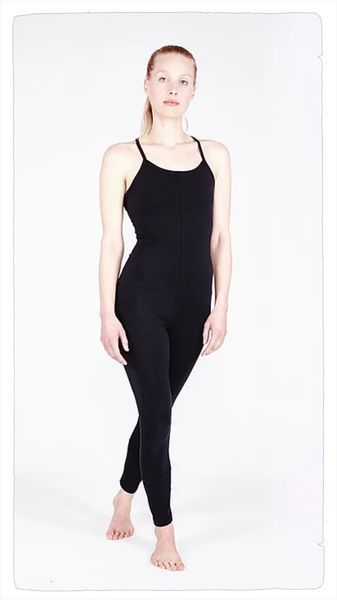 yoga jumpsuit cross in 2 farben - yoiqi yoga wear