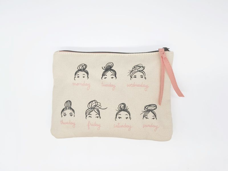"canvas pochette ""a week of buns"" - kera till"